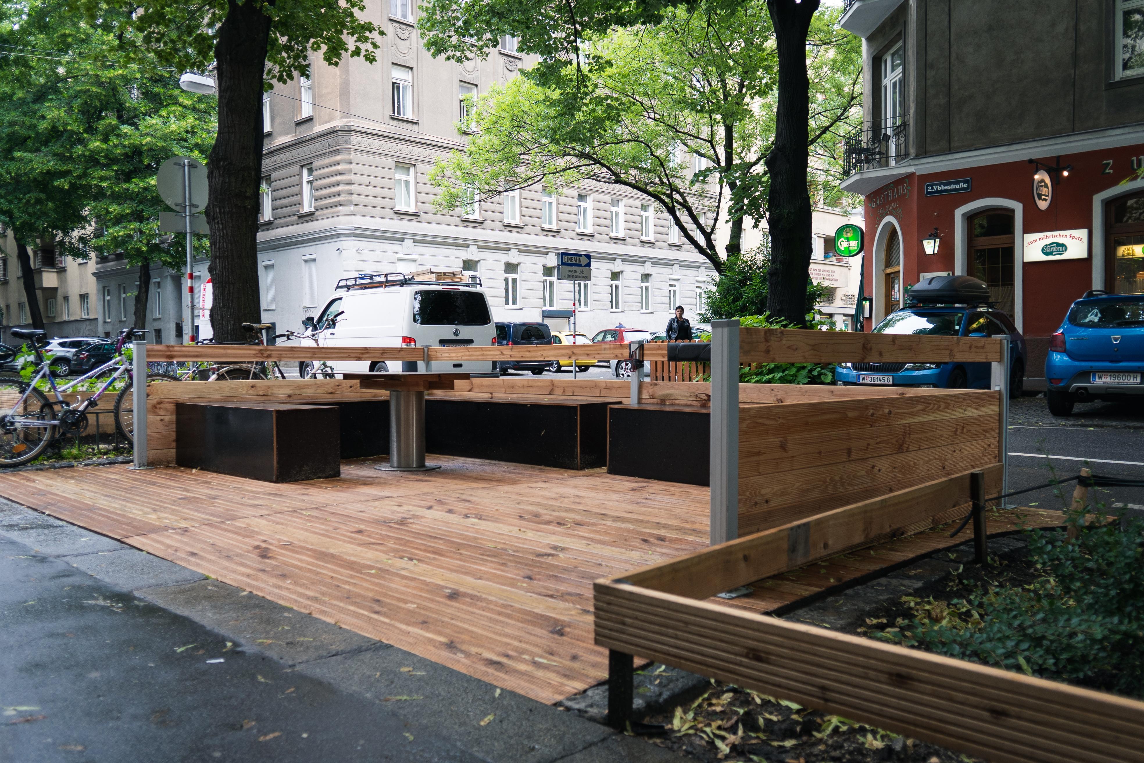 'Schraubgarten' Grätzloase vor der Selbsthilfewerkstatt 'Absteige'